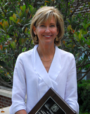Shirley Francis Receives J. Beatty Williams Outstanding Service Award